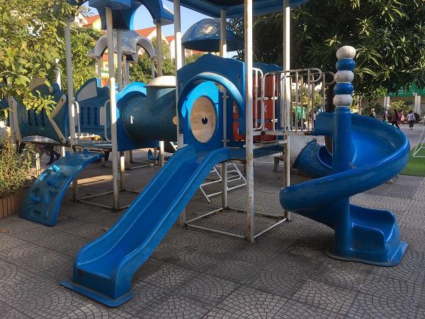 Hà Nội: Những 'bẫy' trò chơi nguy hiểm ở sân trường, khu vui chơi trẻ em - 5