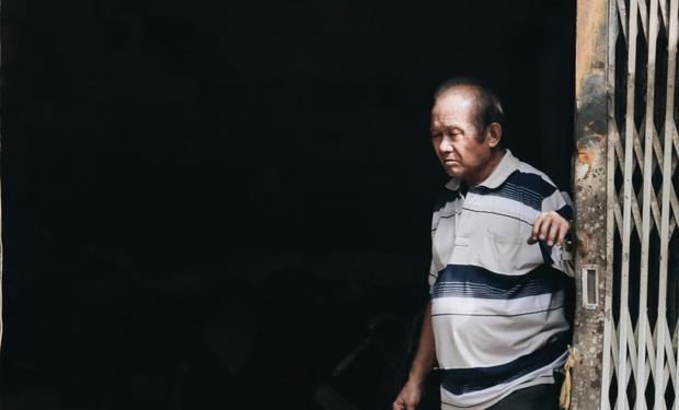 Vụ cháy khiến 3 người trong 1 gia đình tử vong ở Sài Gòn: Người cha đứng lặng người trước hiện trường - 6