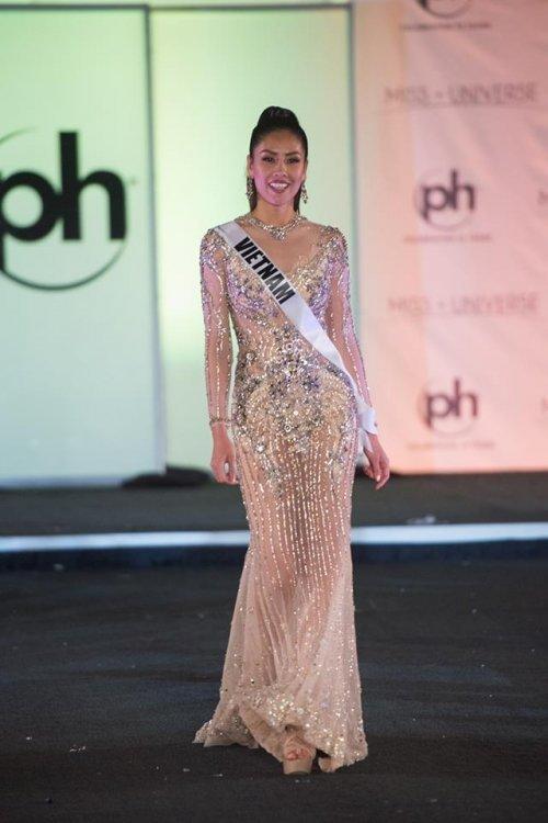 Nhìn lại 11 tuyệt tác dạ hội của mỹ nhân Việt trên đấu trường Miss Universe trong thập kỷ 2010 - 7