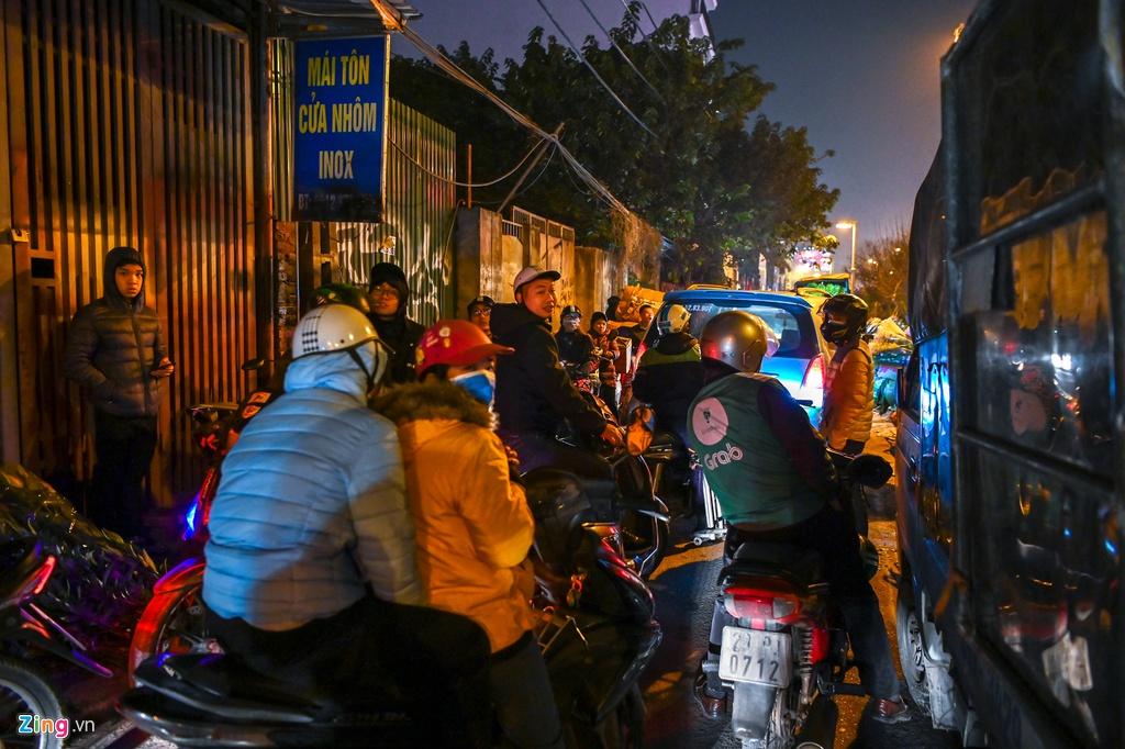 Hà Nội kẹt xe hàng km từ mờ sáng 28 Tết - 8