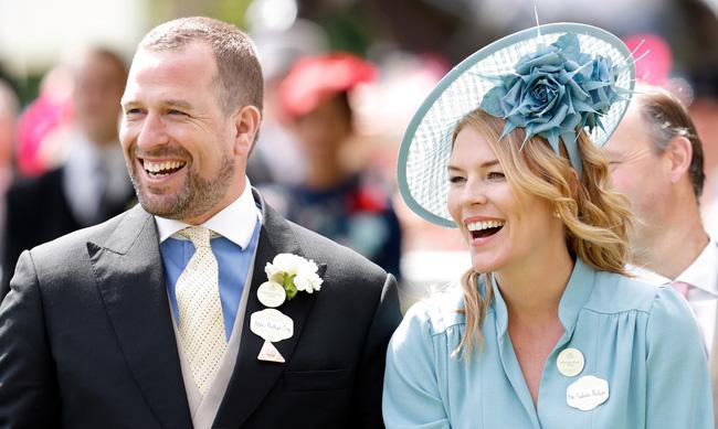 """Dính nghi vấn khiến cặp đôi hoàng gia ly hôn, Meghan Markle phớt lờ mọi chuyện và """"ra lệnh"""" cho chồng thực hiện yêu cầu đặc biệt"""
