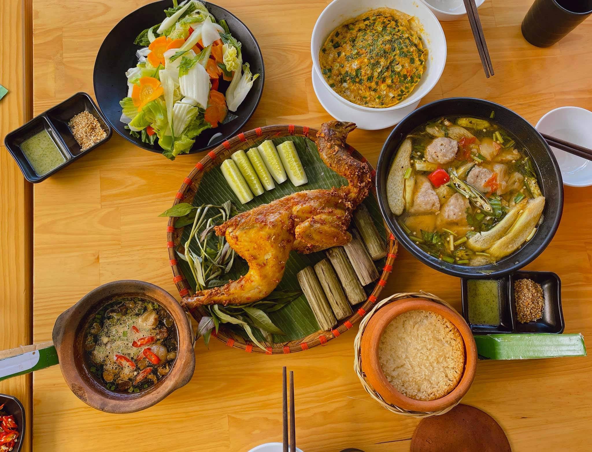 Đi hưởng tuần trăng mật mùa dịch corona như vợ chồng Văn Đức - Nhật Linh: Quay ra quay vào chỉ toàn ăn với ngủ - 1