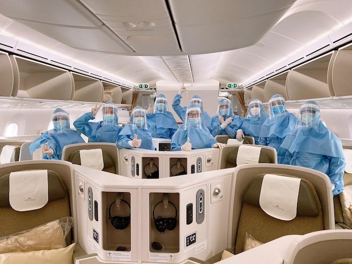 Cận cảnh những chuyến bay đặc biệt của Vietnam Airlines về từ 'tâm dịch' châu Âu - 7