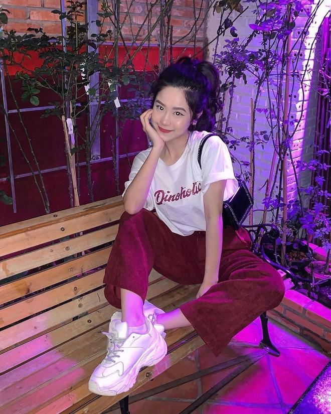 Khoe tài vẽ tranh điệu nghệ trong vlog mới, Huyme lại để lộ bằng chứng đang hẹn hò với 'hot girl tạp hóa' Hàn Hằng - 1