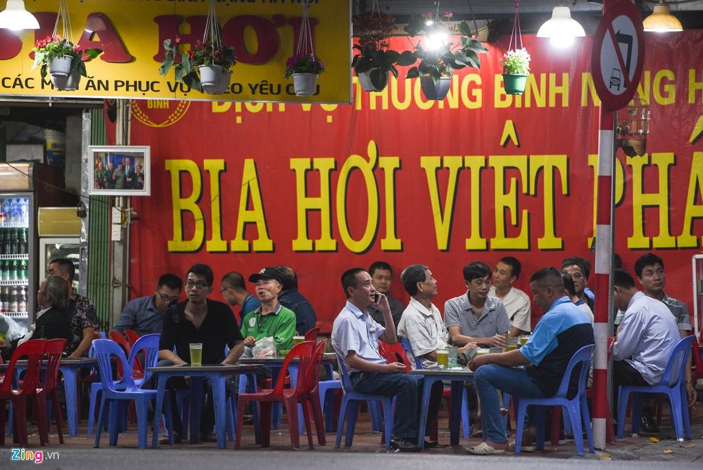 Hình ảnh quán cà phê, nhà hàng, quán karaoke...sau quyết định của TP Hà Nội - 14