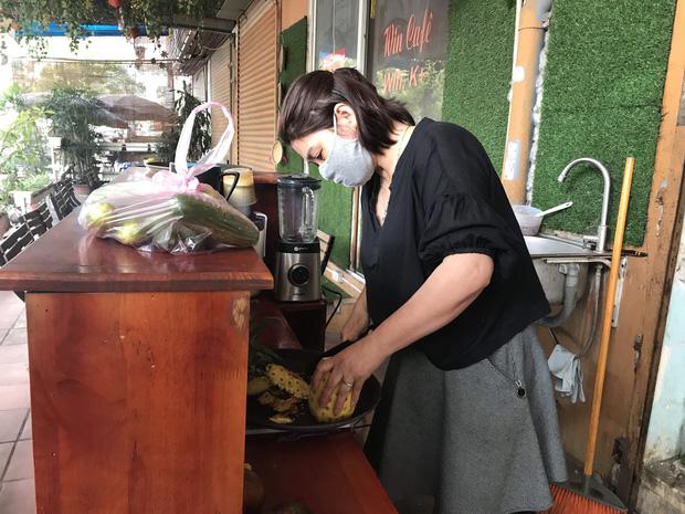 Chủ cửa hàng thực hiện lệnh đóng cửa quán để chống dịch COVID-19: 'Sức khoẻ là vốn quý nhất, mong Hà Nội sớm bình yên trở lại!' - 14
