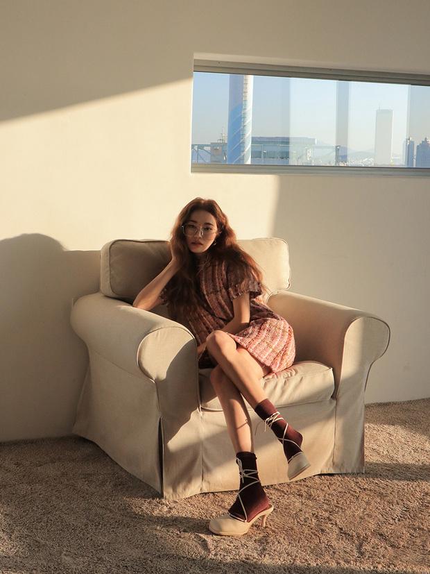 Ngọc Trinh bị chê kém duyên khi ngồi thử giày, các chị em chớ có mắc lỗi này khi mặc váy ngắn! - 6