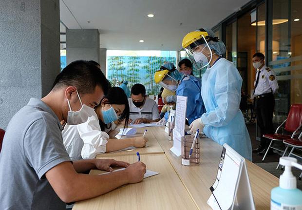 Bệnh viện Việt Pháp khẳng định vẫn an toàn sau khi tiếp đón bệnh nhân COVID-19 số 237