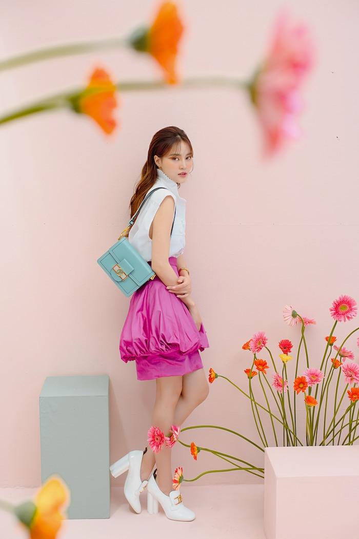 Diện đồ Louis Vuitton sành điệu, Ninh Dương Lan Ngọc khoe nhan sắc ngày càng rạng rỡ - 1