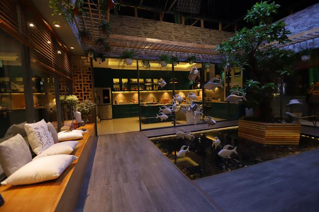 'Tiệc trăng máu' của Thu Trang - Thái Hòa - Kiều Minh Tuấn gây sốc khi chi 3 tỷ dựng penthouse sang chảnh xong lại dỡ bỏ - 4