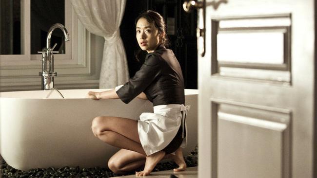 'Ảnh hậu Cannes' Jeon Do Yeon: Phía sau những cảnh nóng bạo liệt trên màn ảnh là cuộc hôn nhân viên mãn bên cạnh người đàn ông bình lặng và bao dung - 2