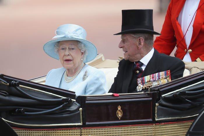 Tình yêu của Nữ hoàng Anh và Hoàng thân Philip thay đổi như thế nào theo thời gian? - 16
