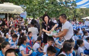 34.000 trẻ em Quảng Nam đón nhận niềm vui uống sữa từ Vinamilk trong ngày 1/6 - 6