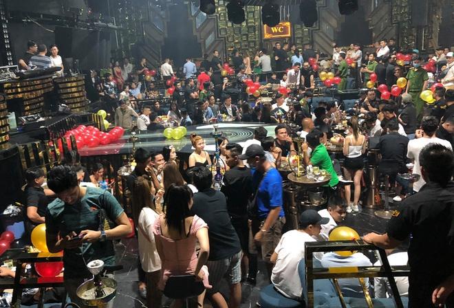 Đột kích quán bar ở TP.HCM, phát hiện 56 người dương tính với ma tuý