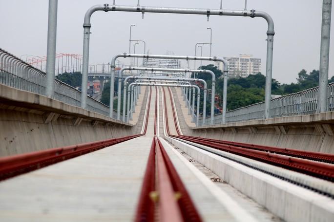 Video ảnh: Cận cảnh ga trên cao tuyến metro Bến Thành - Suối Tiên sắp hoàn thiện - 8