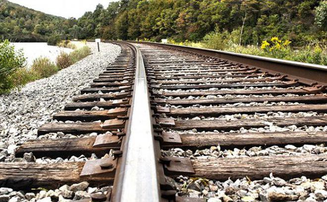 Tại đường ray tàu hỏa lại làm bằng thép? - 1