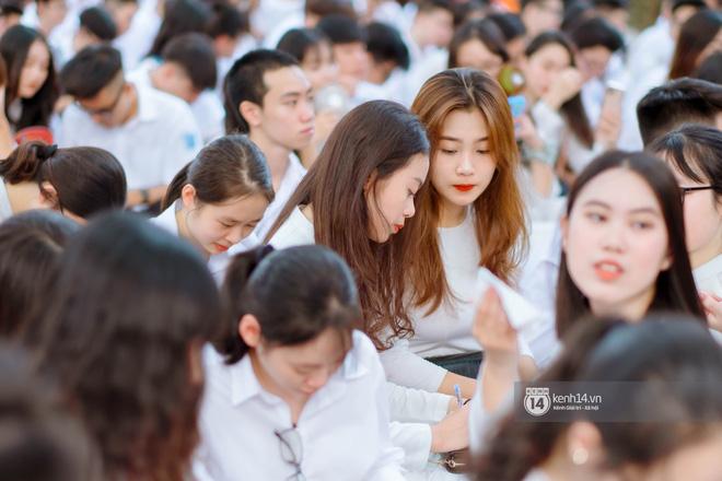 Đặc sản gái xinh Phan Đình Phùng (Hà Nội) lại khiến dân tình ngẩn ngơ trong lễ bế giảng - 7