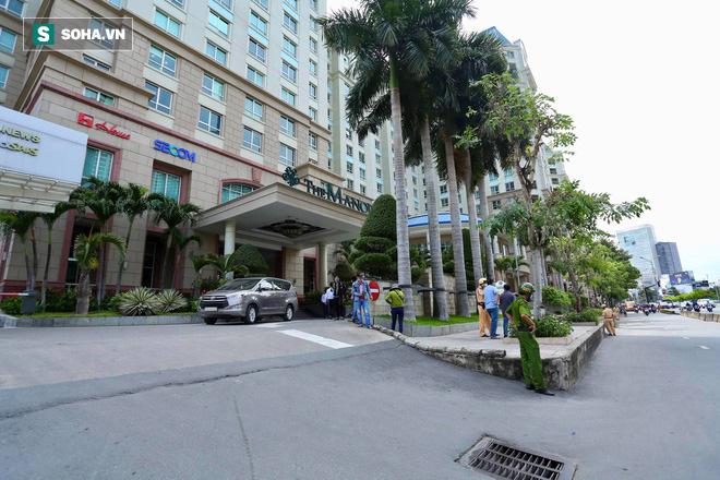 Khám xét nơi ở Phó chủ tịch UBND TP.HCM Trần Vĩnh Tuyến vừa bị khởi tố - 4