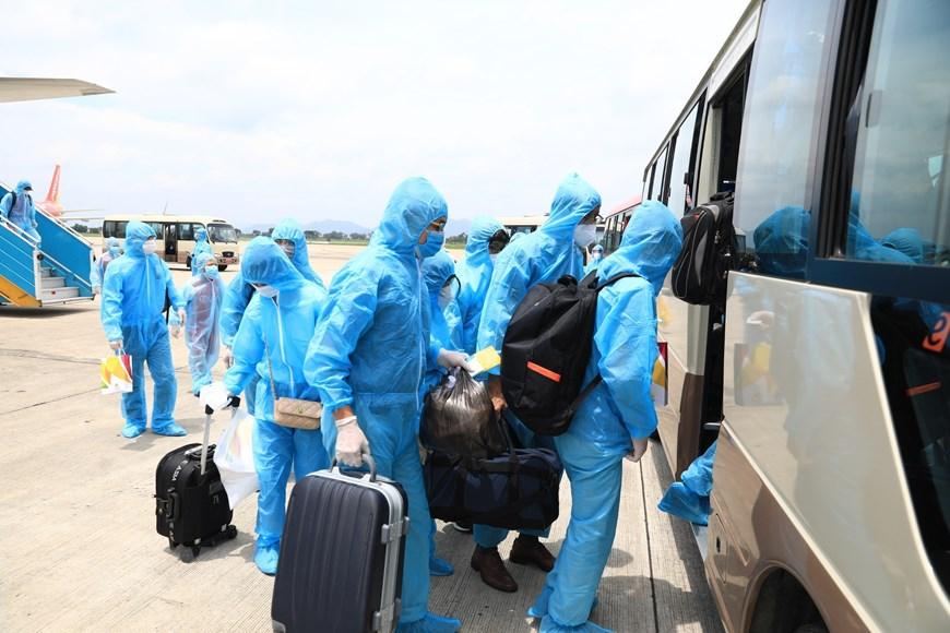 Đưa những hành khách bị mắc kẹt ở Đà Nẵng về Hà Nội - 2