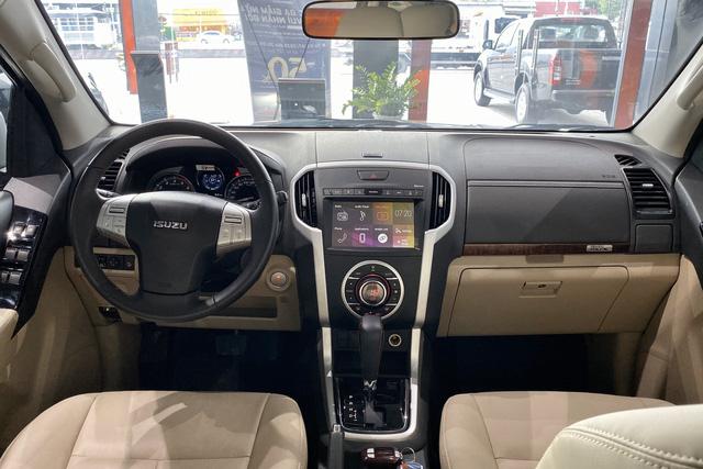 Isuzu mu-X hạ giá sốc còn 650 triệu đồng: Đấu Toyota Fortuner bằng giá Kia Seltos - 4