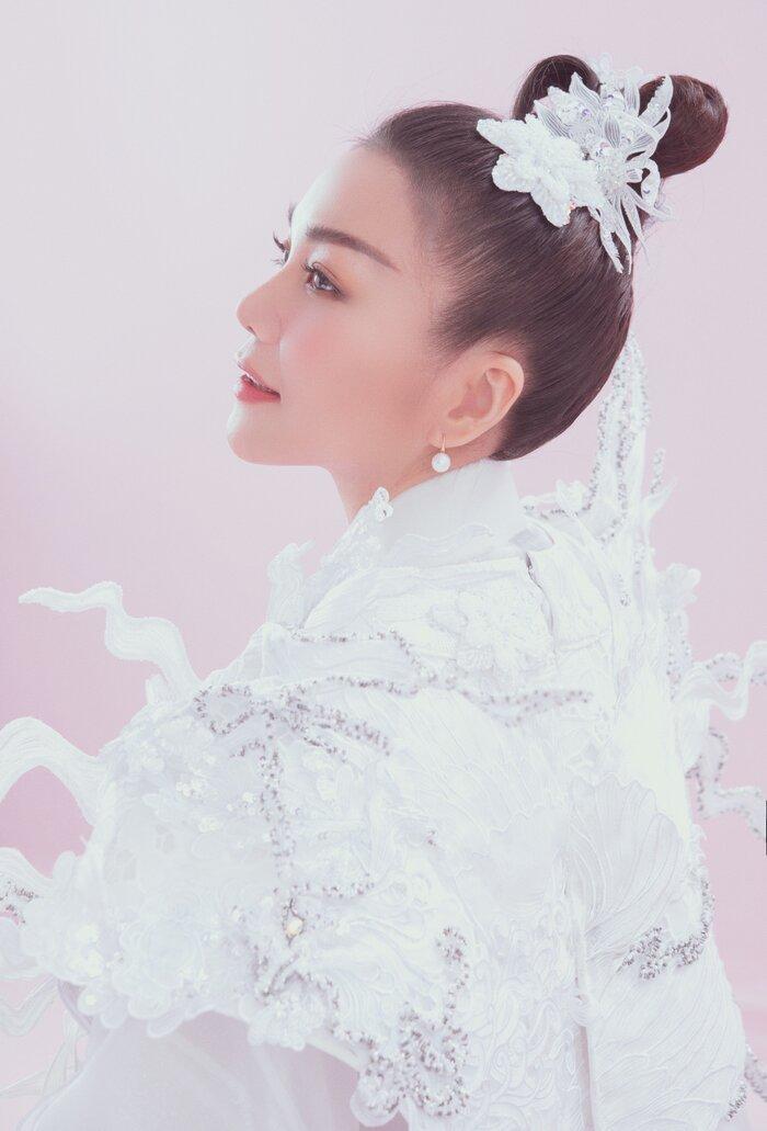 Siêu mẫu Thanh Hằng hóa chị Hằng đẹp tinh khôi với tạo hình cổ trang - 5