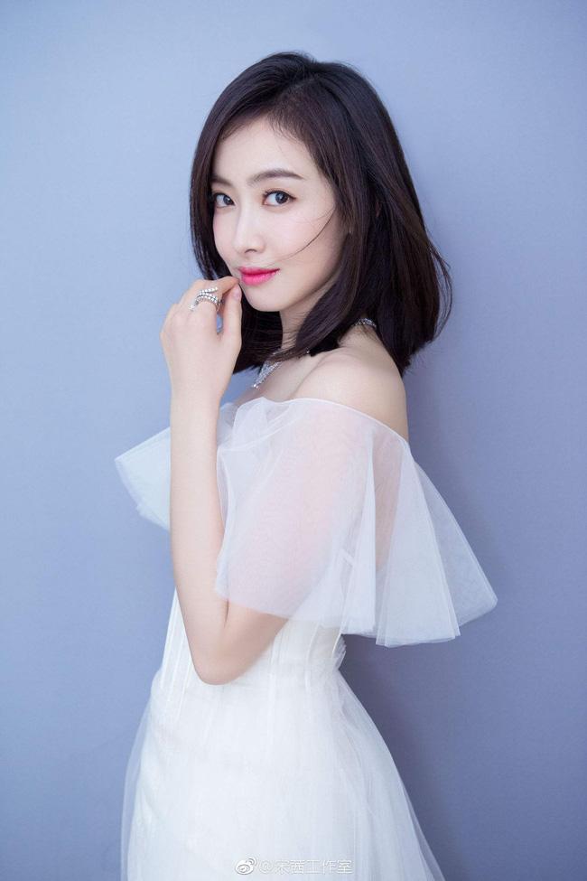 Nữ thần Kim Ưng 2020: Tống Thiến vươn lên dẫn đầu, 'mỹ nữ  vạn người mê' Lý Thấm vượt mặt Ngu Thư Hân - 2