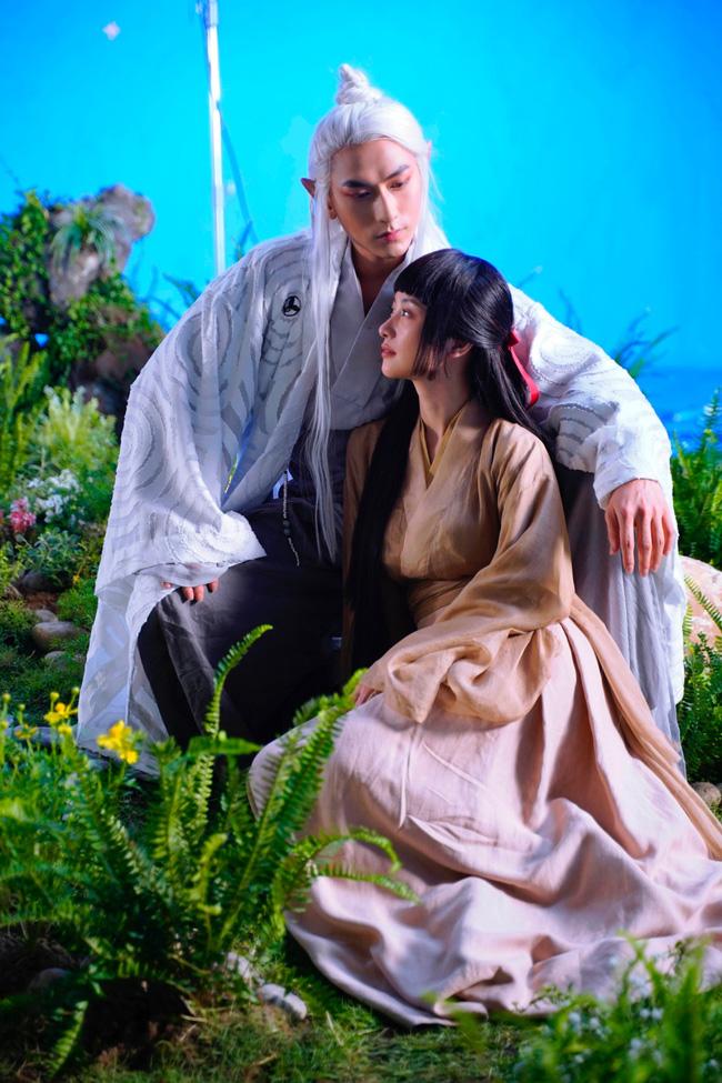 Isaac hóa hồ ly 9 đuôi đóng cảnh khóa môi, giường chiếu nóng bỏng cùng Jun Vũ trong MV mới - 8