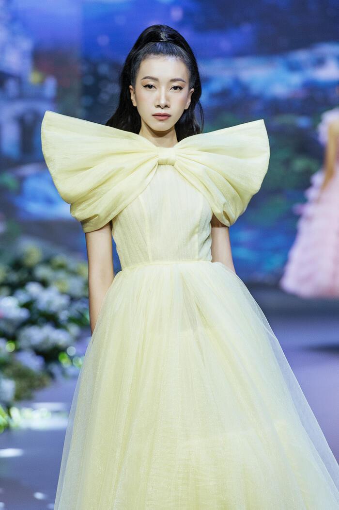 Đảm nhận vị trí vedette, Thanh Hằng hóa công chúa trong show diễn cổ tích - 10
