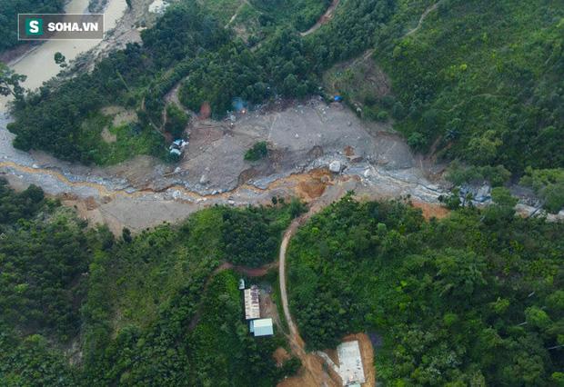 Bộ đội xuyên đêm băng rừng, vượt bùn lầy ngập nửa người để tiếp tế lương thực cho Trà Leng - 9