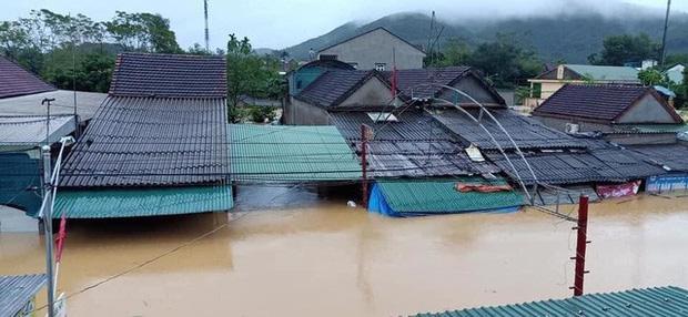 Nghệ An: 5 người chết, mất tích do mưa lũ, nhiều trường cho học sinh nghỉ học
