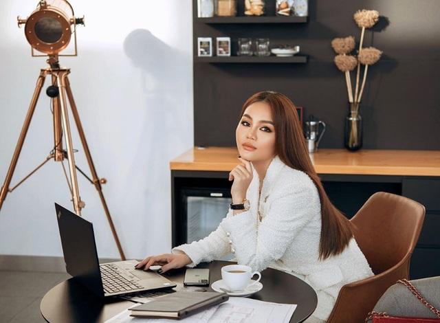 Con tỷ phú Việt Nam học việc để nối nghiệp gia đình ra sao? - 4