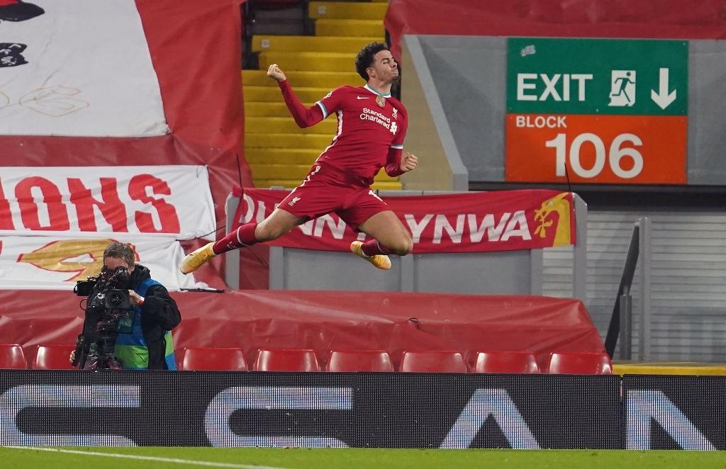 Sai lầm ngớ ngẩn của thủ môn giúp Liverpool giành vé vào knock-out Champions League - 7