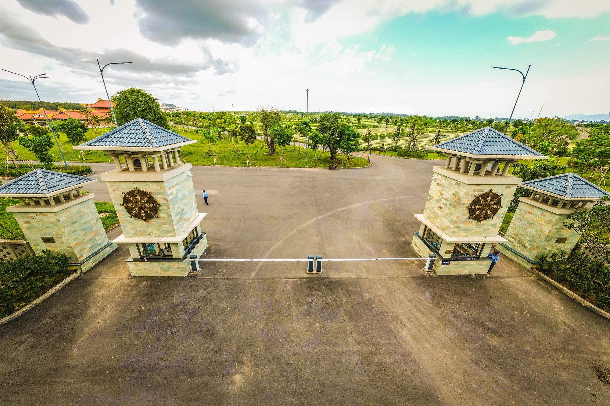 Cận cảnh hoa viên nghĩa trang hơn 2.000 tỷ đồng, có cảnh quan đẹp bậc nhất Việt Nam - 2
