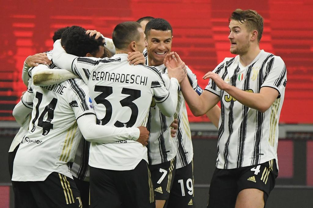 Juventus chấm dứt mạch bất bại của Milan