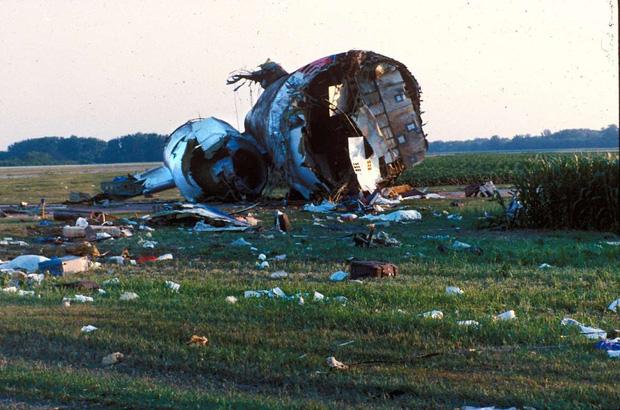 Cảm giác của hành khách trên một chuyến bay gặp nạn: Câu chuyện về vụ tai nạn hàng không kinh hoàng, nhưng cũng kỳ diệu nhất lịch sử nước Mỹ - 5