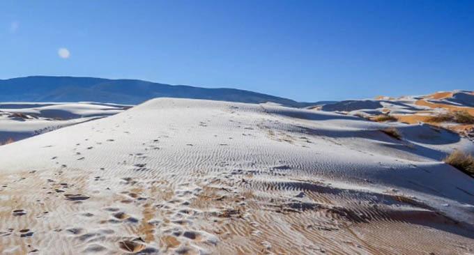 Tuyết phủ trắng sa mạc Sahara - 2