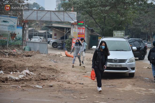 Công trình ngổn ngang tại con đường dài 1,3km 'treo' gần 20 năm giữa Thủ đô khiến người dân khó chịu khi đi qua - 9