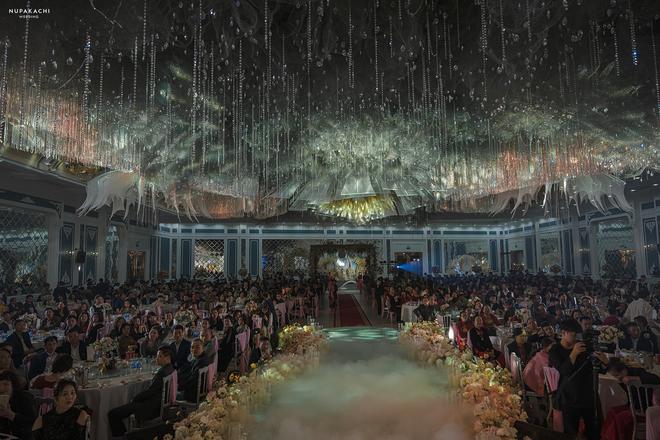 Đám cưới 'cổ tích' tại Bắc Ninh: Bố tự tay thiết kế hôn lễ cho con gái, chi phí hơn 30 tỷ, gần 300 xế hộp xếp chật kín đường - 8