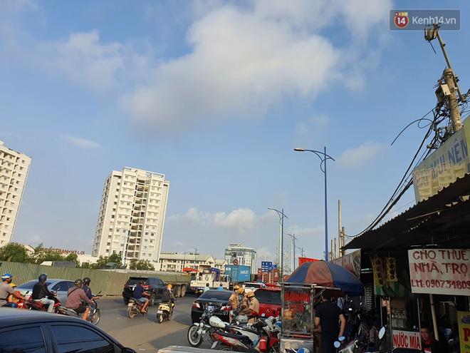 Cháy nhà ở Sài Gòn khiến 6 người trong gia đình tử vong, người thân khóc ngất tại hiện trường - 3