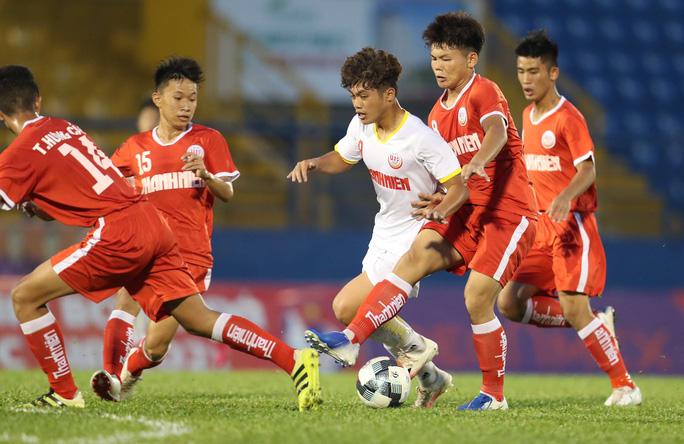 Lứa đàn em Công Phượng toàn thắng, vào tứ kết VCK U19 quốc gia 2021 - 1