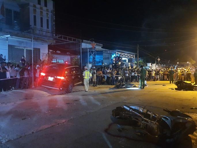 Chùm ảnh: Hiện trường vụ tai nạn kinh hoàng ở Quảng Nam - 5