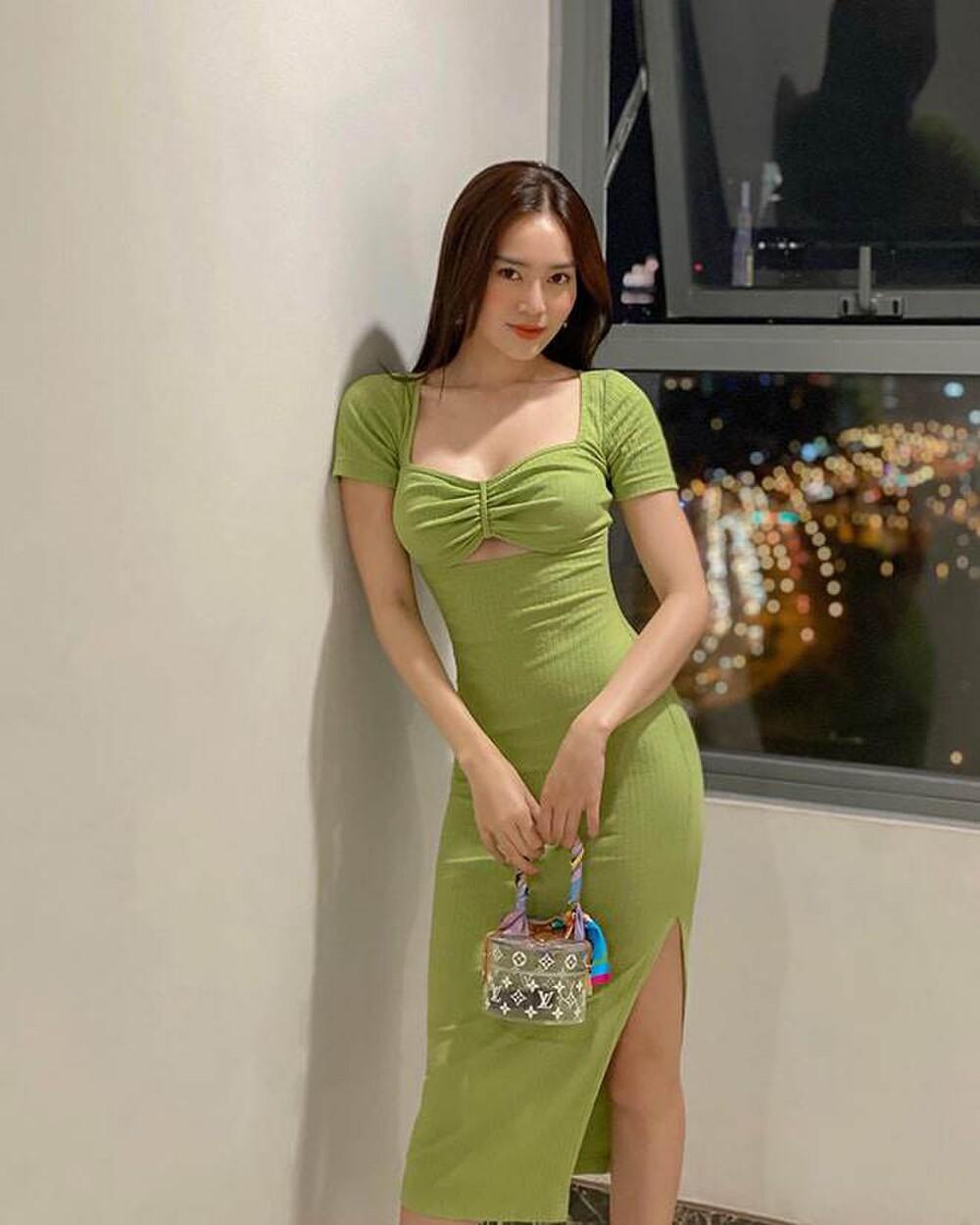 Ninh Dương Lan Ngọc diện đồ khoe thềm ngực nõn nà, bắt đúng trend với gam màu 'chanh sả' - 3