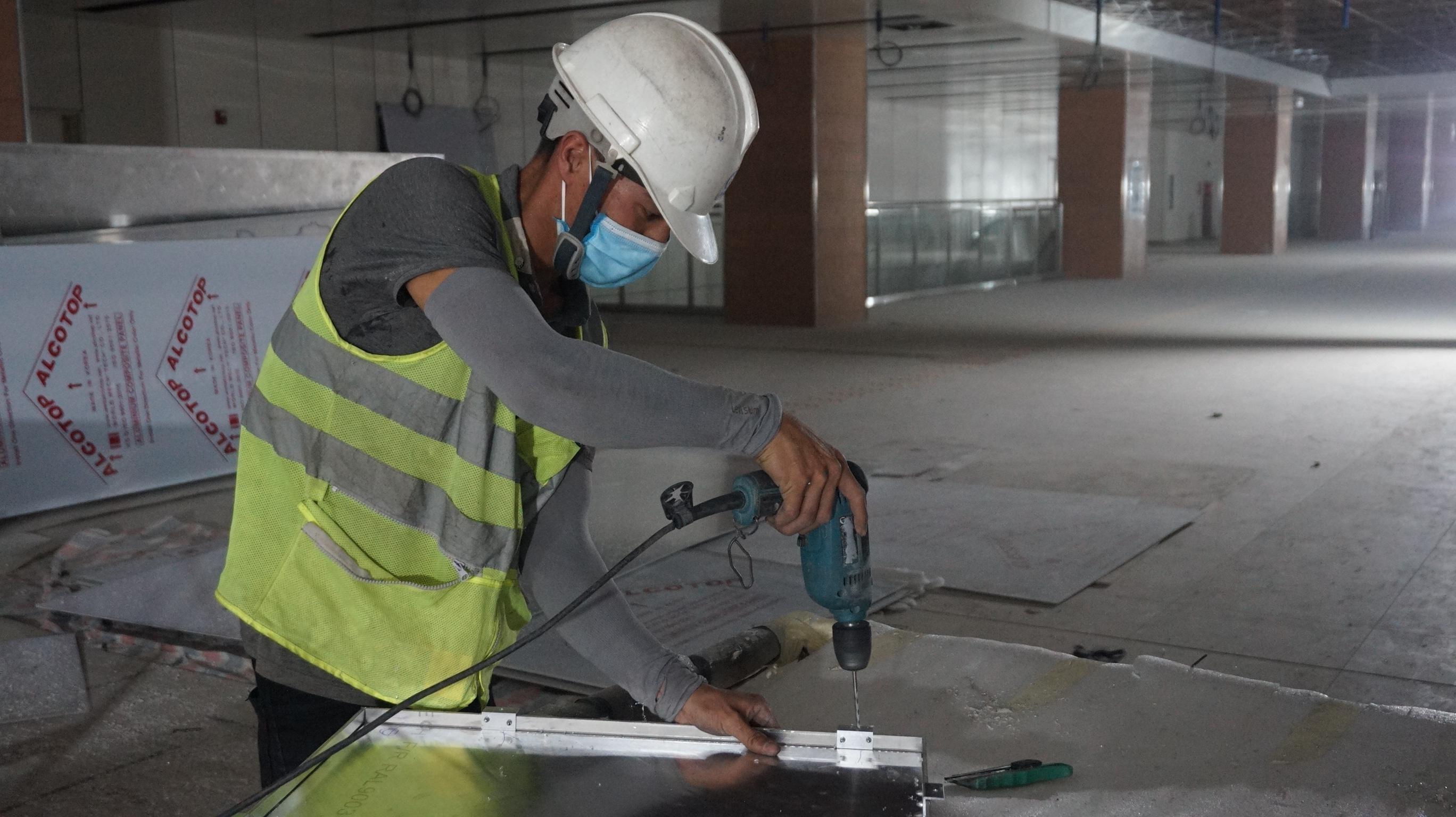 Video ảnh: Công nhân tất bật trên công trường metro Bến Thành - Suối Tiên - 4