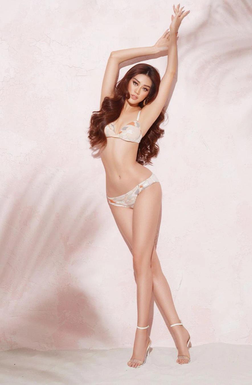 Khánh Vân quyến rũ trong bộ bikini, khoe trọn tỷ lệ thân hình hoàn mỹ khi chụp hình cho Miss Universe 2020 - 1