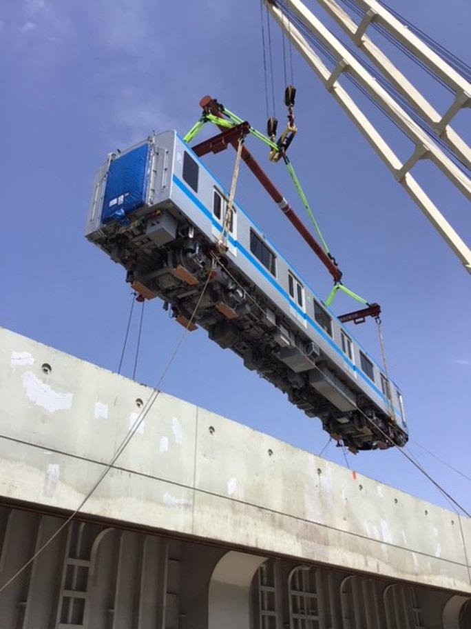 Hình ảnh đầu tiên 2 đoàn tàu metro số 1 về cảng TP HCM - 2