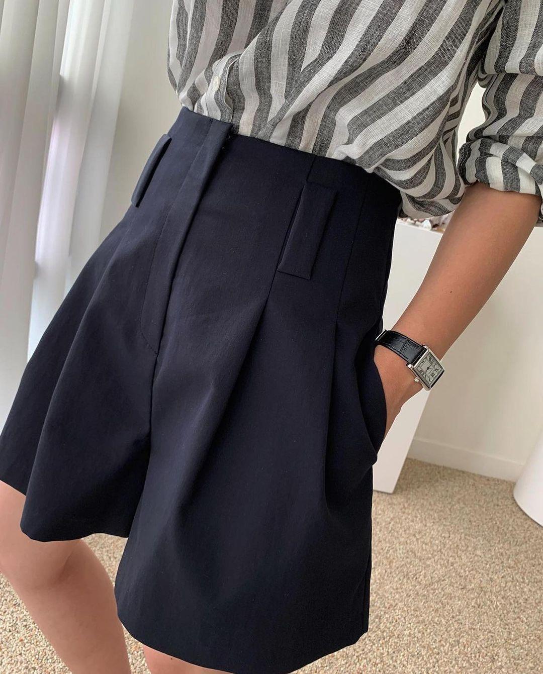 Kiểu quần short hot nhất lúc này: Mặc siêu mát, giúp chân nhỏ đi và tăng vẻ thanh lịch - 7