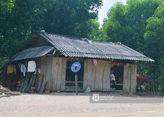 Chủ tịch xã vùng lũ ở Quảng Bình: Đời sống ở đây ổn định rồi, NS Hoài Linh nên tăng cường số quà này về những vùng dịch Covid-19 - 13