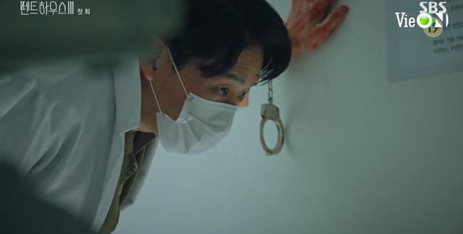 Cuộc chiến thượng lưu 3 mở màn cực đỉnh: Seo Jin vừa ra tù đã bị Su Ryeon bắt cóc vứt xuống sông, Ju Dan Tae trở lại hoành tráng - 8