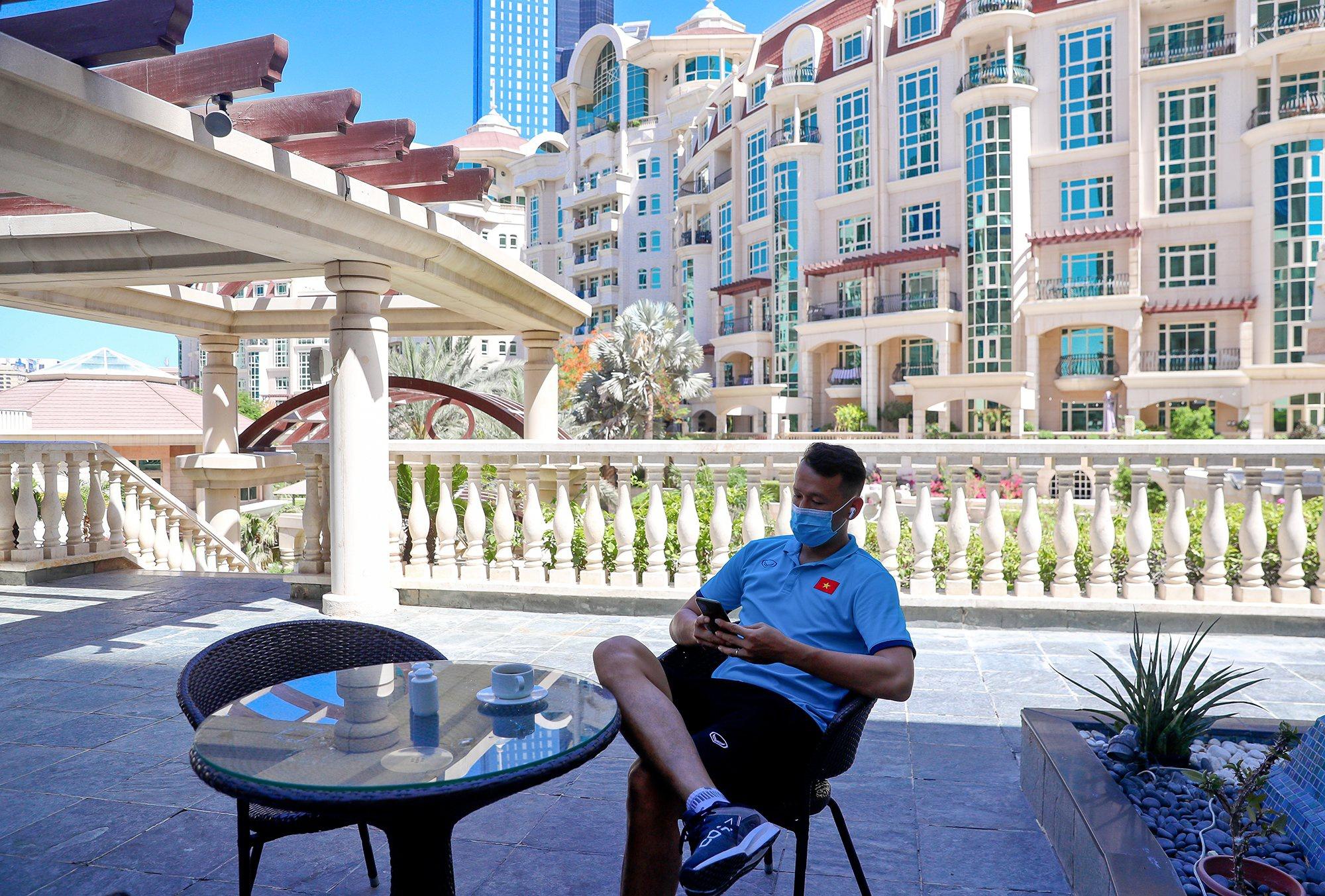 Cận cảnh nơi ăn chốn ở 'siêu sang, xịn' của đội tuyển Việt Nam tại Dubai - 3