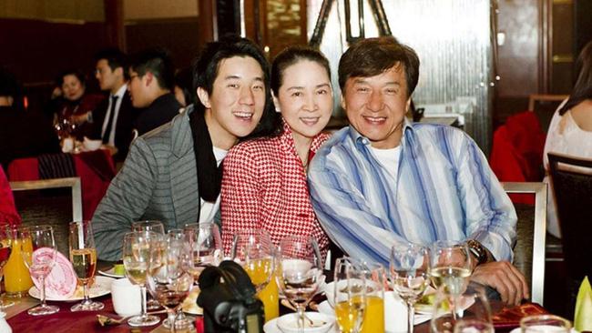 Thành Long và bà xã Lâm Phụng Kiều đã ly hôn? - 2